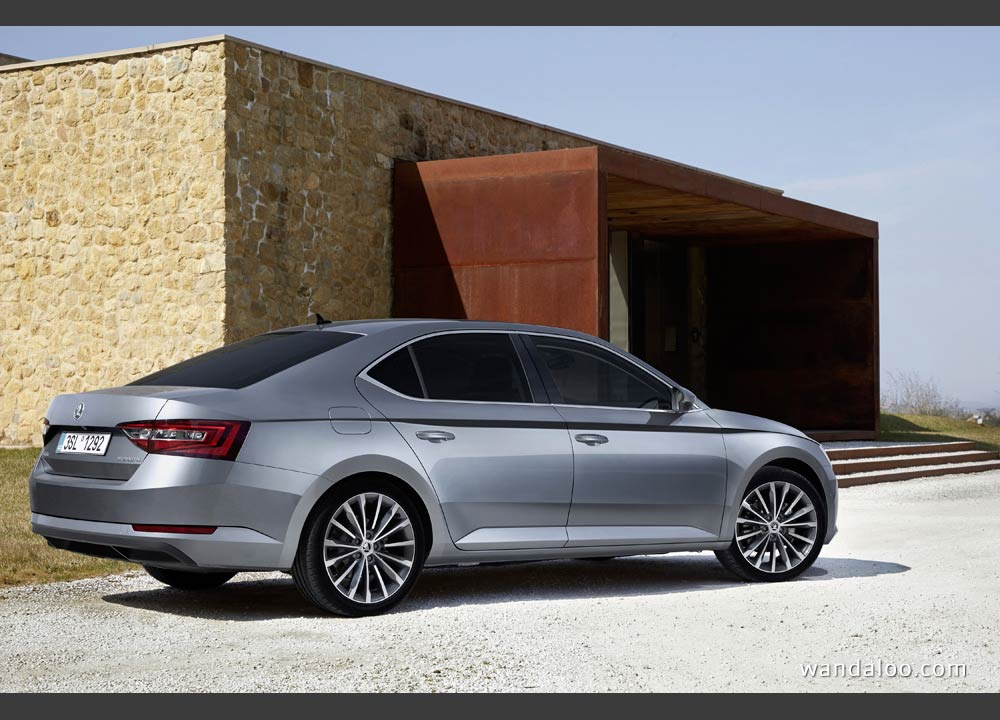 https://www.wandaloo.com/files/2015/04/Skoda-Superb-2015-neuve-Maroc-03.jpg