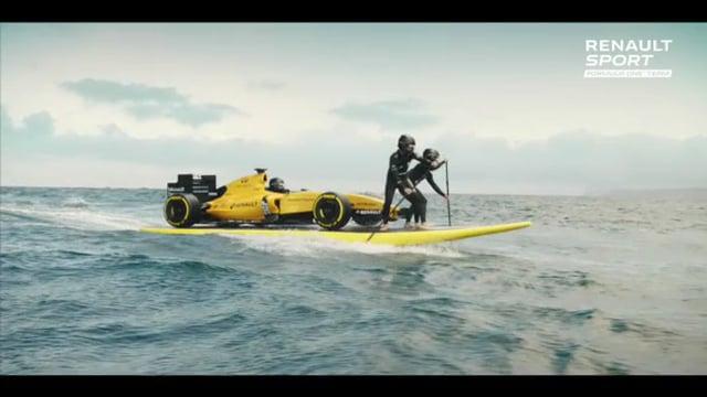 Renault-F1-surf-vagues-video.jpg