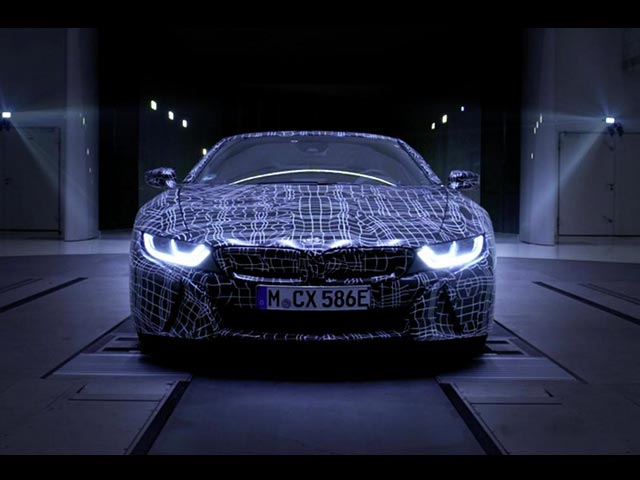BMW-i8-Roadster-2018-Teaser-video.jpg