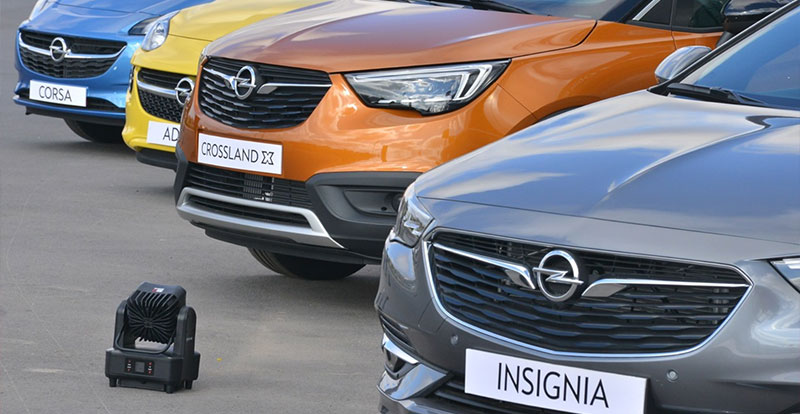 La gamme de véhicules OPEL est parmi la plus jeune du marché ( crédit photo : Auto Hall )
