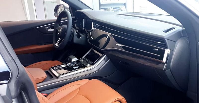 Audi Q8 est introduit chez nous avec trois niveaux de finition une riche dotation en équipement.