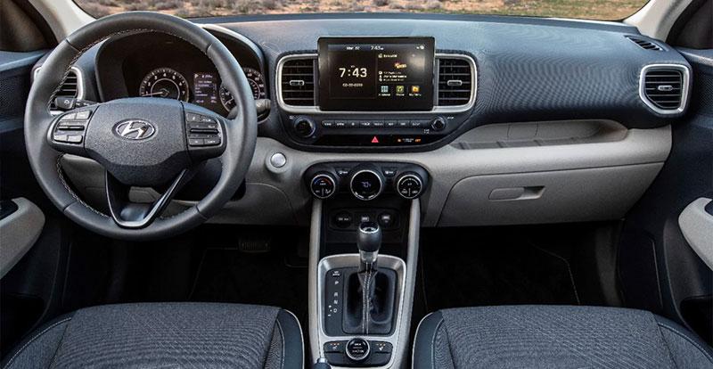 Pour séduire, le Hyundai Venue mise sur sa connectivité et sur son contenu technologique de grand SUV.
