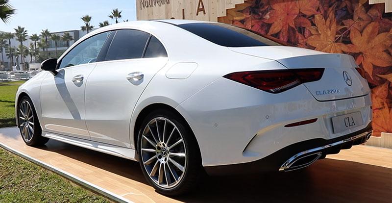 De profil comme à l'arrière les lignes du nouveau Mercedes CLA sont d'une beauté inouïe !