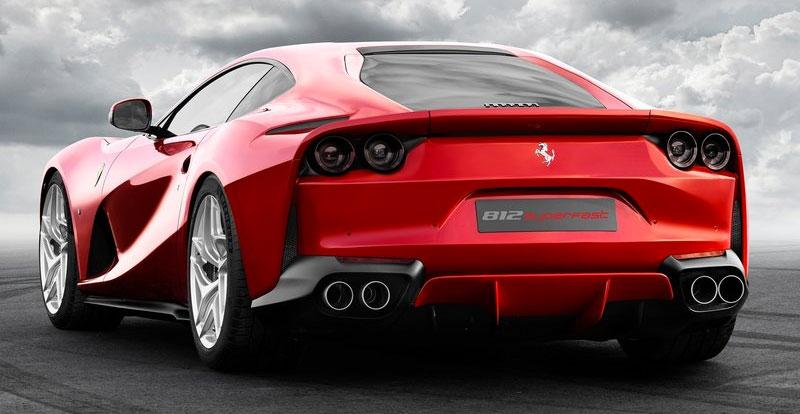Vue de profil avant de la future Ferrari 812 Superfast