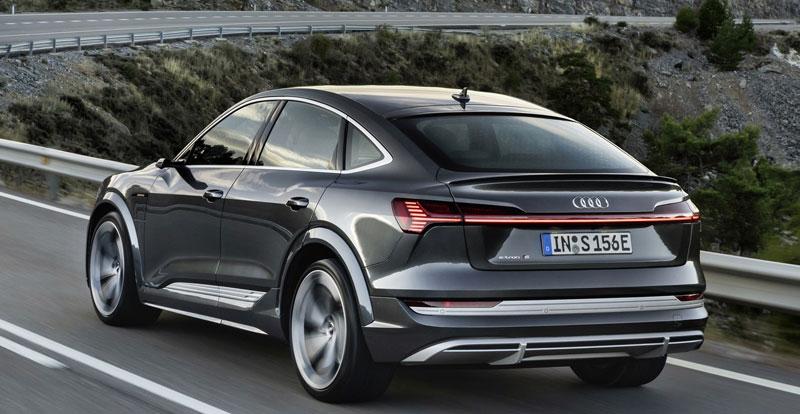 A quand un e-tron RS (pour RennSport) ? Un e-tron Sportback doté de quatre électromoteurs et de plus de 600 ch, mettons...