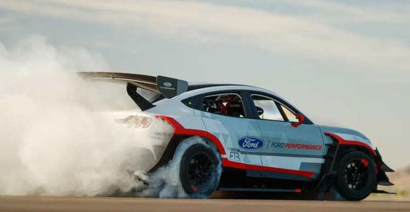 Actu. internationale - Ken Block se lâche au volant d'une FORD Mustang Mach-E de 1.400 ch