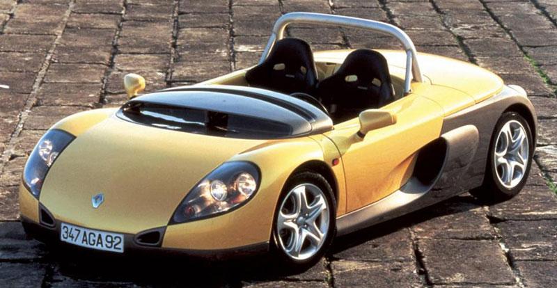 Le très léger Spider était proposé en deux versions : roadster - avec pare-brise - et barquette avec saute-vent (photo).