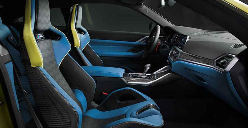 ...Mais le superbe volant, les nombreux inserts en carbone et les «étourdissants»sièges baquets sont spécifiques.