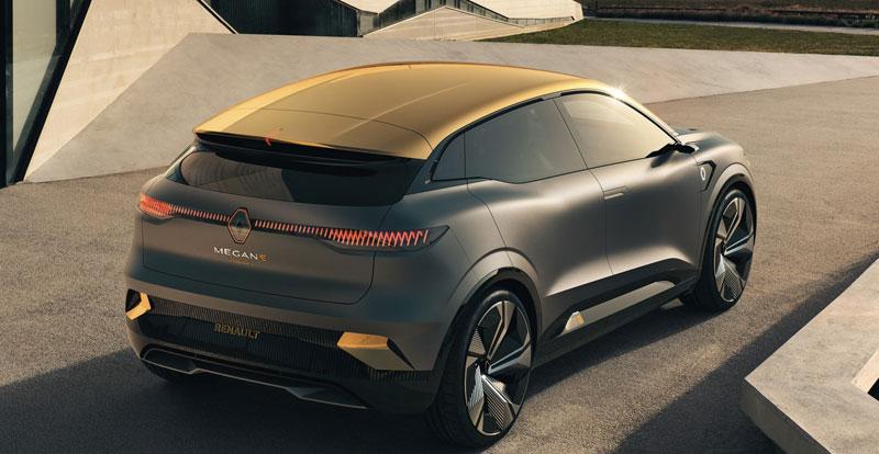 Le showcar RENAULT Mégane eVision s'offre des lignes futuristes qui préfigurent à 95% le modèle de série, prévu pour 2022.