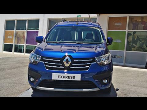 Nouveau Express sort de l'usine Renault Maroc