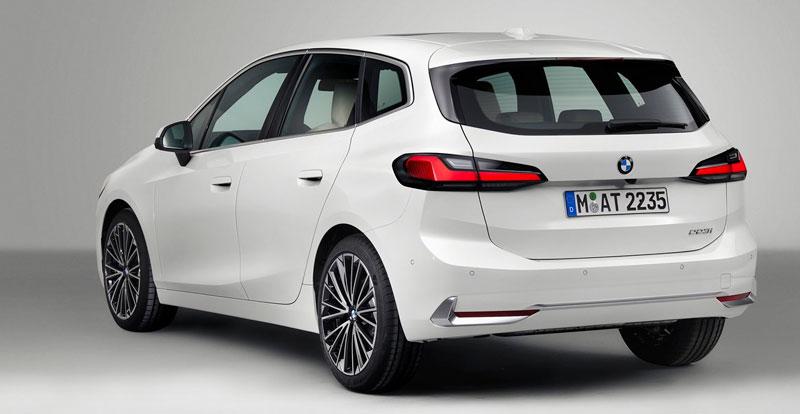 L'arrière de la nouvelle BMW Série 2 Active Tourer 2022 s'inspire du X5