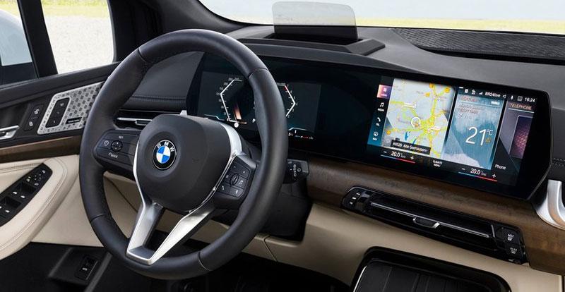 Les deux écrans incurvés de la nouvelle BMW Série 2 Active Tourer 2022