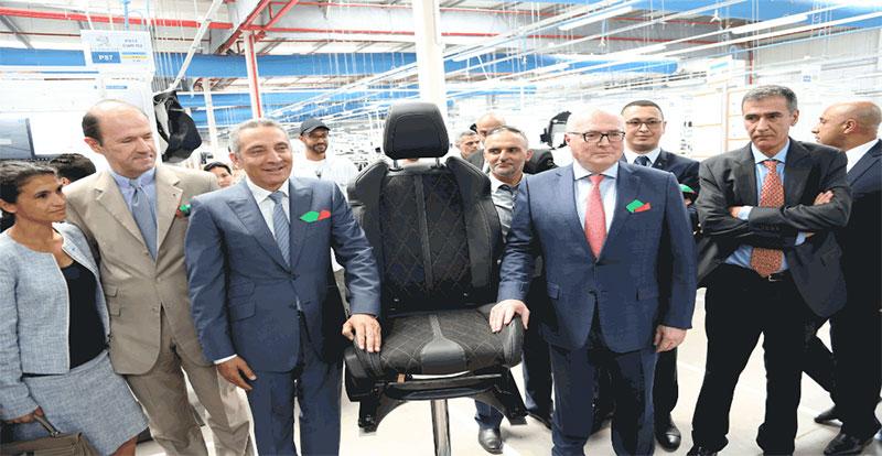 Moulay Hafid Elalamy en visite à la 2ème unité industrielle de FAURECIA