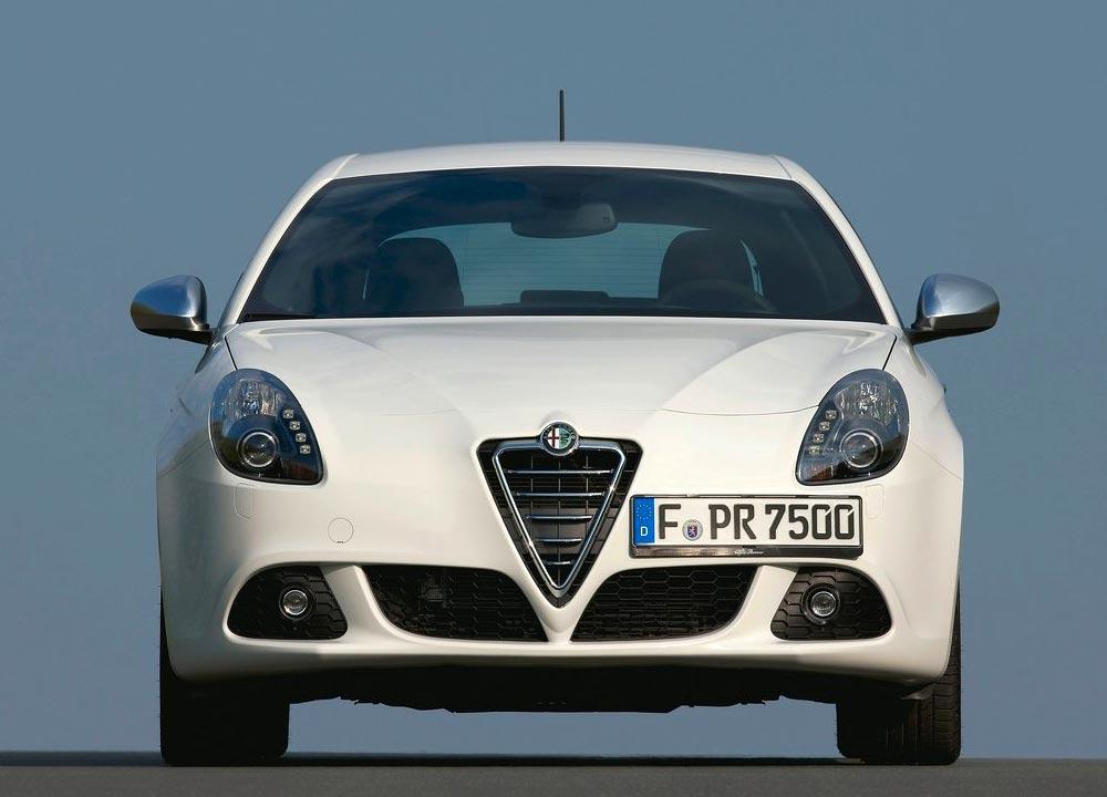 https://www.wandaloo.com/files/Voiture-Neuve/alfa-romeo/Giulietta-06.jpg
