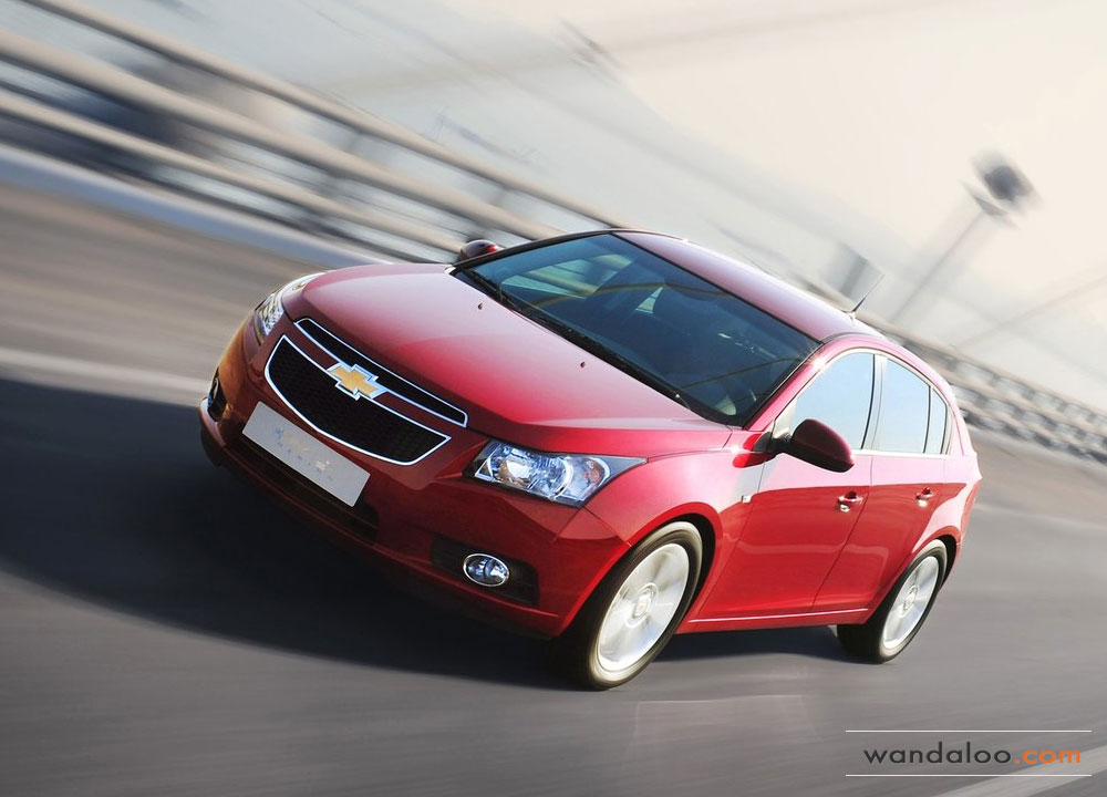 https://www.wandaloo.com/files/Voiture-Neuve/chevrolet/Chevrolet-Cruze-5-portes-2012-01.jpg