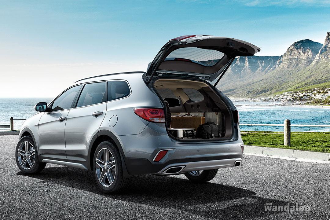 https://www.wandaloo.com/files/Voiture-Neuve/hyundai/Hyundai-Grand-Santa-Fe-2017-Neuve-Maroc-07.jpg