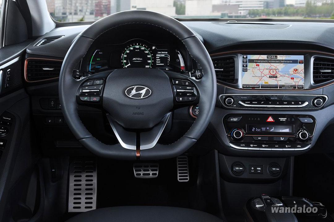 https://www.wandaloo.com/files/Voiture-Neuve/hyundai/Hyundai-IONIQ-Hybride-2018-Neuve-Maroc-07.jpg