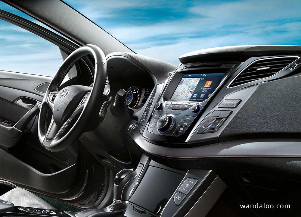 https://www.wandaloo.com/files/Voiture-Neuve/hyundai/Hyundai-i40-facelift-2015-neuve-Maroc-10.jpg