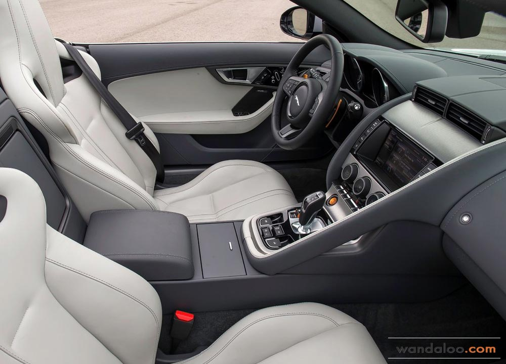 https://www.wandaloo.com/files/Voiture-Neuve/jaguar/Jaguar-F-Type-2013-Neuve-Maroc-07.jpg