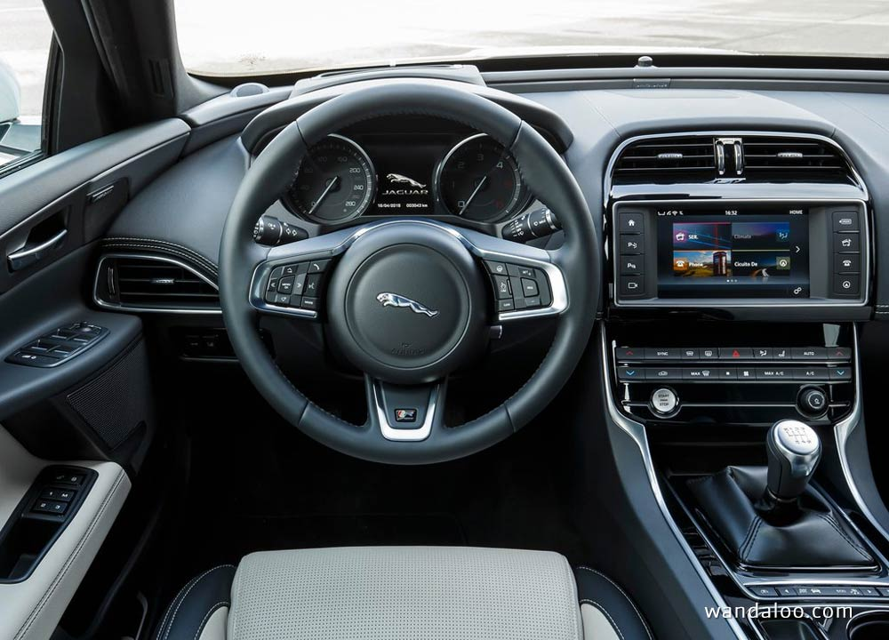 https://www.wandaloo.com/files/Voiture-Neuve/jaguar/Jaguar-XE-2016-Neuve-Maroc-14.jpg