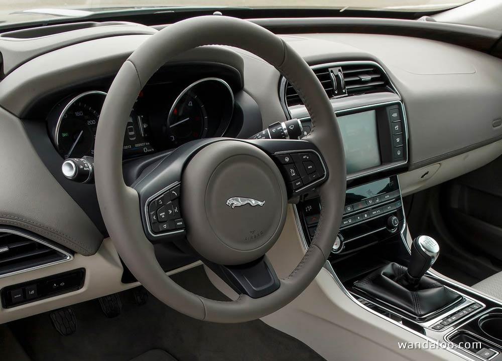 https://www.wandaloo.com/files/Voiture-Neuve/jaguar/Jaguar-XE-2016-Neuve-Maroc-17.jpg