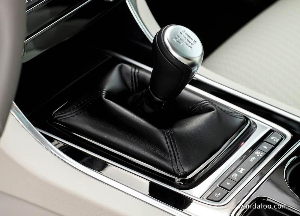 https://www.wandaloo.com/files/Voiture-Neuve/jaguar/Jaguar-XE-2016-Neuve-Maroc-24.jpg