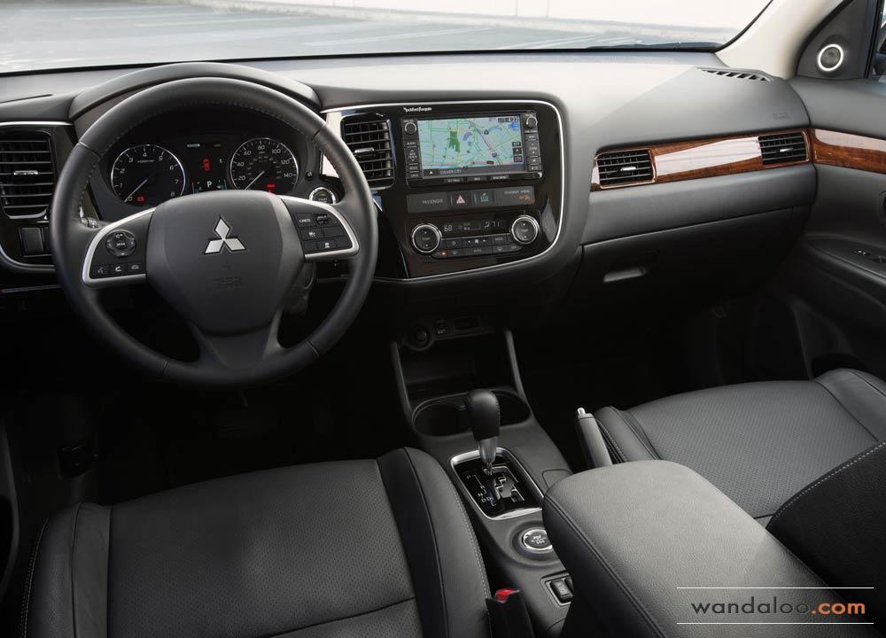 https://www.wandaloo.com/files/Voiture-Neuve/mitsubishi/Mitsubishi-Outlander-2014-Neuve-Maroc-08.jpg