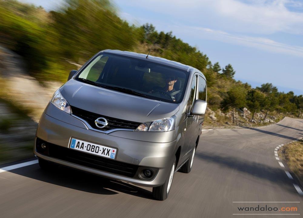 https://www.wandaloo.com/files/Voiture-Neuve/nissan/Nissan-Evalia-2013-Neuve-Maroc-02.jpg