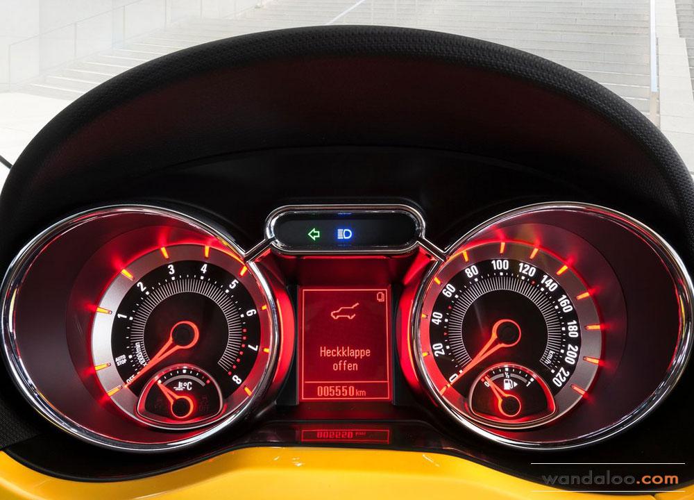 https://www.wandaloo.com/files/Voiture-Neuve/opel/Opel-Adam-2013-15.jpg