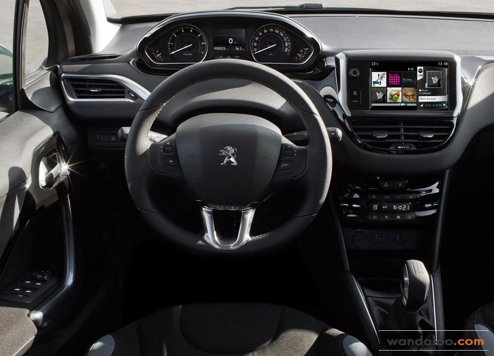 https://www.wandaloo.com/files/Voiture-Neuve/peugeot/Peugeot-208-2013-06.jpg