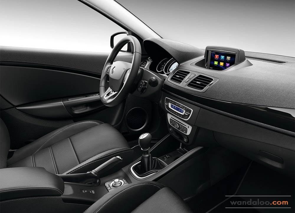 https://www.wandaloo.com/files/Voiture-Neuve/renault/Renault-Megane-2014-Neuve-Maroc-01.jpg