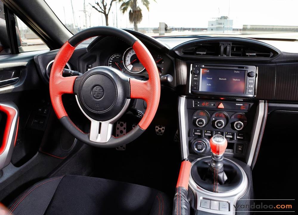 https://www.wandaloo.com/files/Voiture-Neuve/toyota/Toyota-GT86-2014-Neuve-Maroc-09.jpg