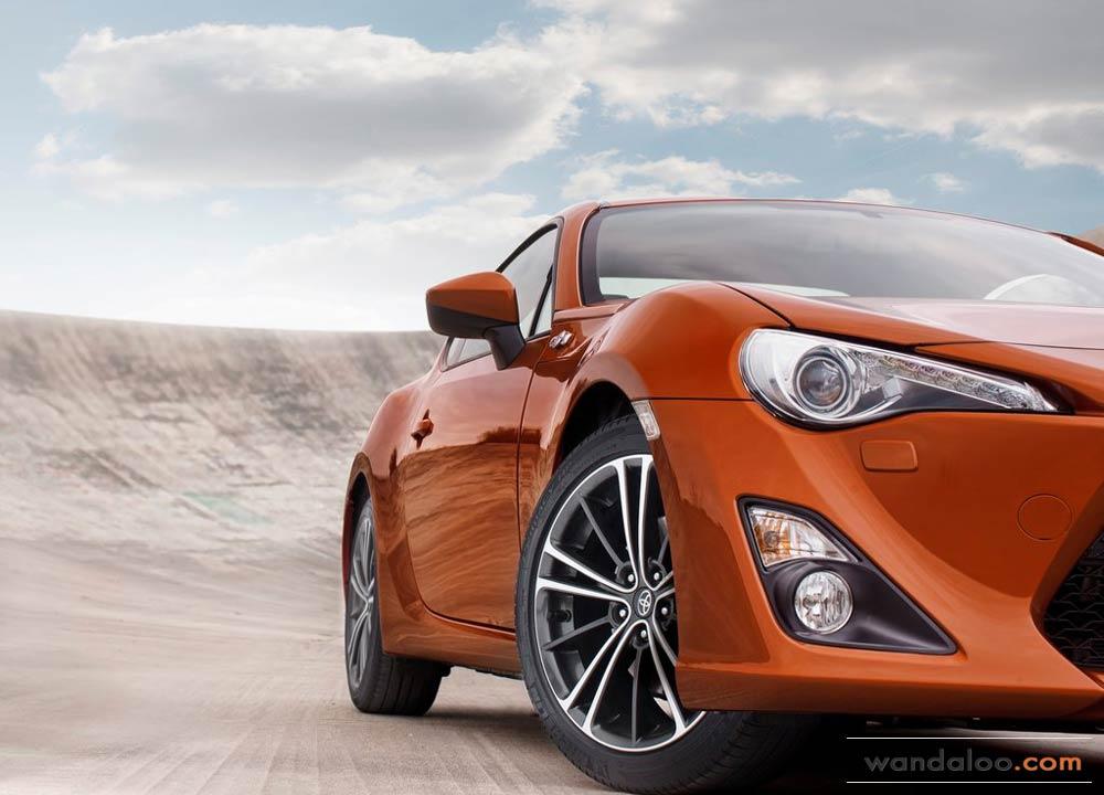 https://www.wandaloo.com/files/Voiture-Neuve/toyota/Toyota-GT86-2014-Neuve-Maroc-13.jpg