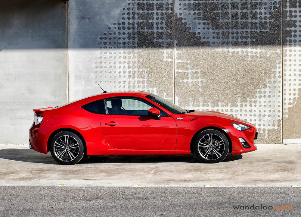 https://www.wandaloo.com/files/Voiture-Neuve/toyota/Toyota-GT86-2014-Neuve-Maroc-15.jpg