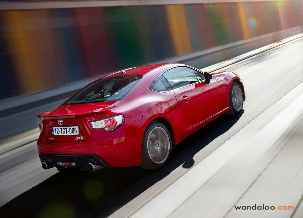 https://www.wandaloo.com/files/Voiture-Neuve/toyota/Toyota-GT86-2014-Neuve-Maroc-16.jpg