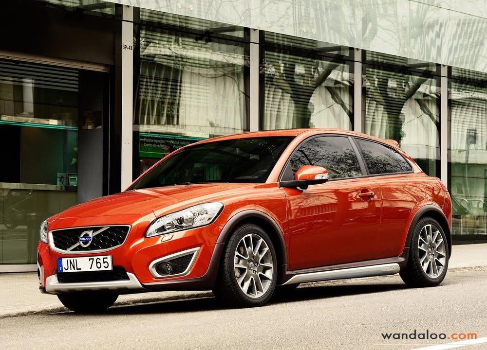 https://www.wandaloo.com/files/Voiture-Neuve/volvo/Volvo-C30-Neuve-Maroc-02.jpg