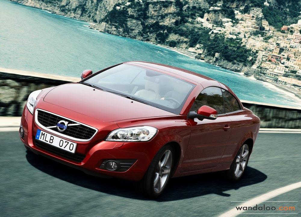 https://www.wandaloo.com/files/Voiture-Neuve/volvo/Volvo-C70-Neuve-Maroc-01.jpg