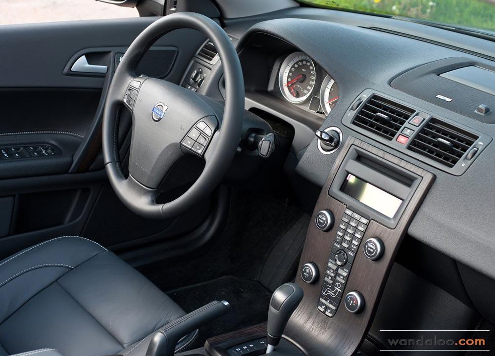 https://www.wandaloo.com/files/Voiture-Neuve/volvo/Volvo-C70-Neuve-Maroc-06.jpg