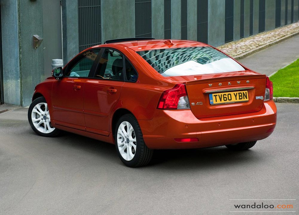 https://www.wandaloo.com/files/Voiture-Neuve/volvo/Volvo-S40-Neuve-Maroc-01.jpg