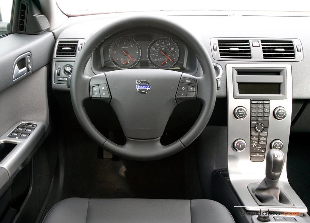 https://www.wandaloo.com/files/Voiture-Neuve/volvo/Volvo-S40-Neuve-Maroc-04.jpg