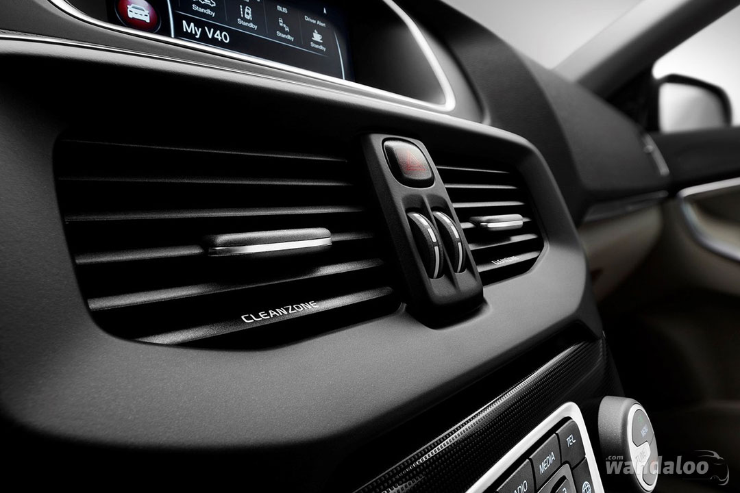 https://www.wandaloo.com/files/Voiture-Neuve/volvo/Volvo-V40-2017-neuve-Maroc-09.jpg