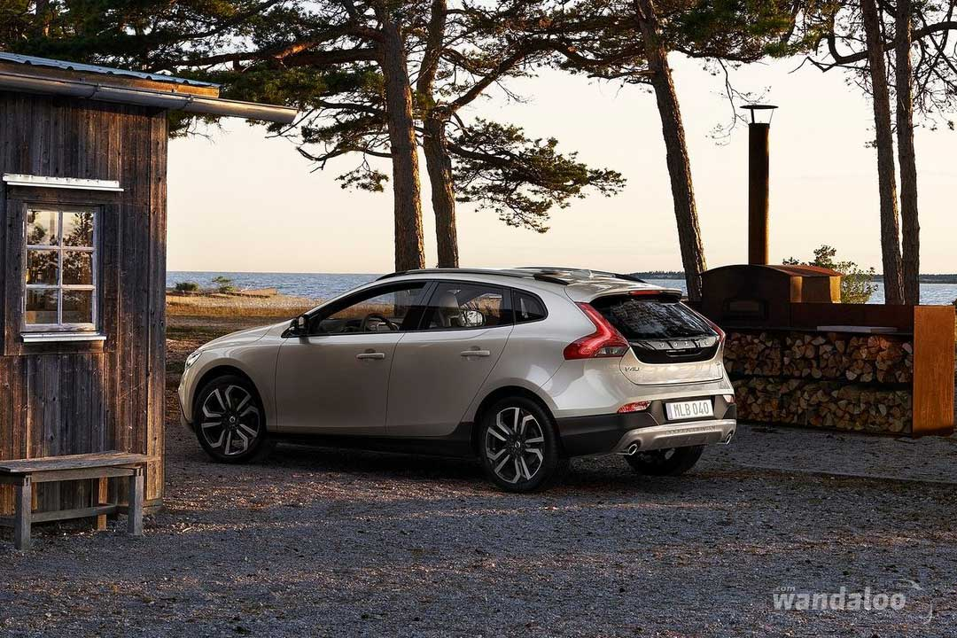 https://www.wandaloo.com/files/Voiture-Neuve/volvo/Volvo-V40-Cross-Country-2017-neuve-Maroc-01.jpg