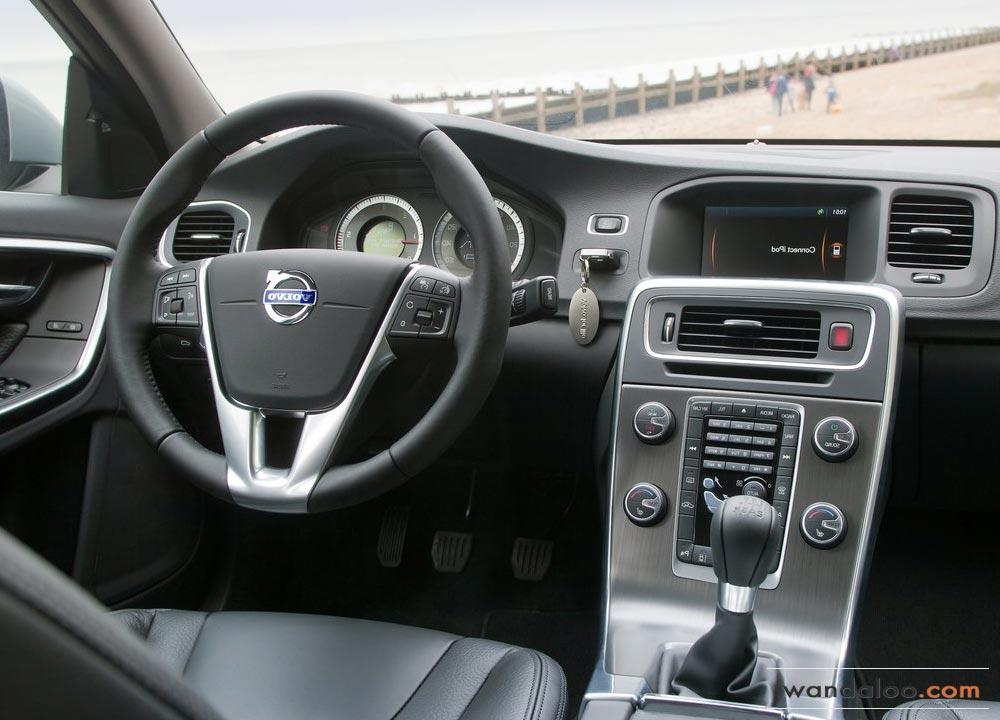 https://www.wandaloo.com/files/Voiture-Neuve/volvo/Volvo-V60-Neuve-Maroc-02.jpg