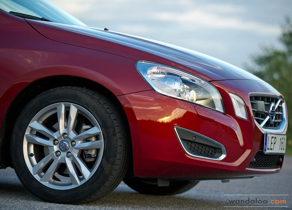 https://www.wandaloo.com/files/Voiture-Neuve/volvo/Volvo-V60-Neuve-Maroc-09.jpg